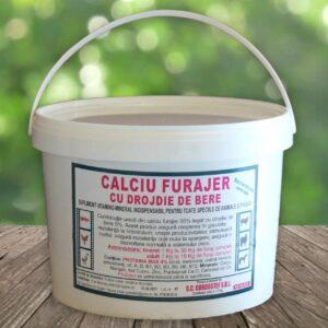 Calciu furajer vitaminizat cu drojdie de bere; Calciul furajer este indispensabil în dezvoltarea corectă şi armonioasă a tuturor animalelor din gospodărie.