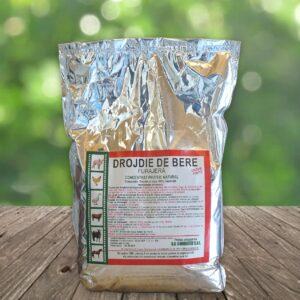 Drojdie de bere furajera 1kg sub forma granule de culoare brun-deschis, cu gust amarui, avand mirosul si aroma specifice de drojdie.